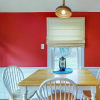 3 Bed 1 Bath Vacation home in Hyannis