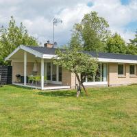Three-Bedroom Holiday home in Egå