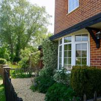 Beautiful Pilley Green Cottage
