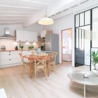 Luxury loft Renovated in Old Antibes / 250m from beach