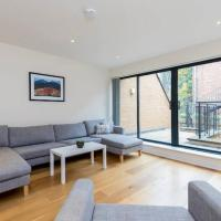 Bright 3BR house with terrace near Clapham Common
