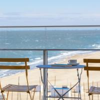 Splendid studio with sea view