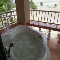 right on the beach 3 bedrooms with jacuzzi