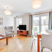 Lovely 2Bed, 2 Bath Flat w/Balcony 1 minute to Jubilee line
