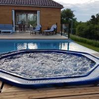maison piscine et spa 7 places a débordement
