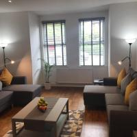 Two Bed Flat in Bush Hill Park