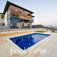6 Corella Court - PRIVATE JETTY & POOL
