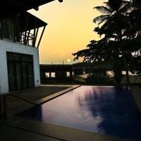 Miraya home- Villa by the river