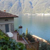 Lovely & romantic attic on Lake Como