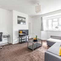 Aldgate Grand Apartment by Flexystays