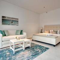 Studio Apartment in Business Bay with Burj Khalifa View by Deluxe Holiday Homes
