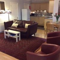 Stansted spacious 2-bed apartment, easy access to Stansted Airport & London