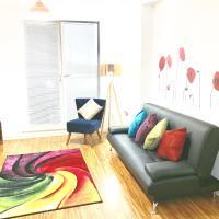 Welcoming Serviced Apartment Sleeps 7, Sassie Homes Birmingham