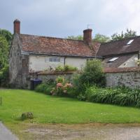 Lower Leigh Cottage, peaceful country setting