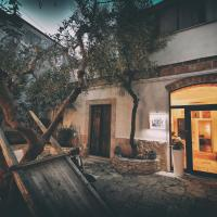 Corte Cairoli B&B and Suites