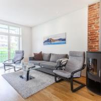 High end 2BR Apartment in Good Location!