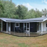 Three-Bedroom Holiday home in Roslev 9