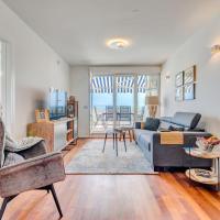 Beach & Palms Apartment