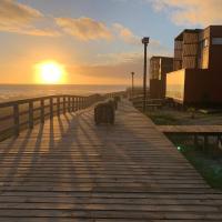 Casa con acceso directo a playa en condominio