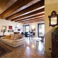 Luxury Apartment in Piazza delle Erbe