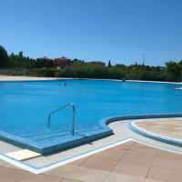 Appartement T2 avec piscine, tennis et garage au Lagon Bleu