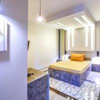 Leona hotel