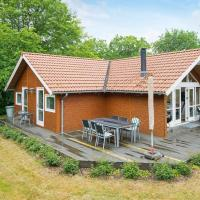 Three-Bedroom Holiday home in Allingåbro 3
