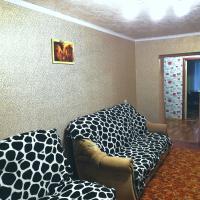 Apartment on Amirova 8