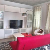 LUXURY MODERN 2 BEDROOM CONDO IN HEART OF DOWNTOWN