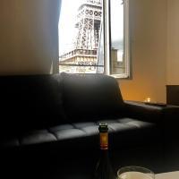 Sublime 3 pièces au pied de la Tour Eiffel