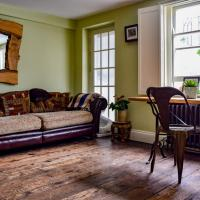 Stylish 1 Bedroom Flat With A Beautiful Garden