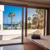 Beach Villa Larnaca, hotel in Oroklini