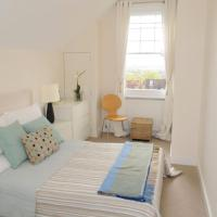 Comfy 2BR Home in London by GuestReady