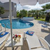 Luxury Xenos Villa 2 With 4 Bedrooms , Private Swimming Pool, Near The Sea
