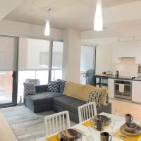 Luxury Executive Loft-Style Condo in Central Toronto, Free Parking
