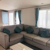 Luxury 2 bedroom caravan 5* Sand Le Mere Holiday Village, near Withernsea