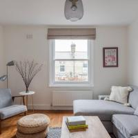 Homely 1BR Flat in London by GuestReady
