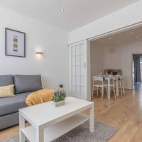 STYLISH HOME ACCESS TO LONDON AND WINDSOR- PARKING