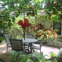 Tropical Sands Luxury Suite - Walk to the world famous Kailua Beach