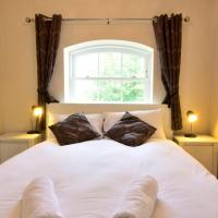 Nunnery Fields - Cosy apartment with on site parking