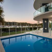 Pavillions 12 - Waterfront Spacious 4 Bedroom With Own Inground Pool And Golf Buggy
