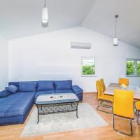 Three-Bedroom Apartment in Kastel Stafilic