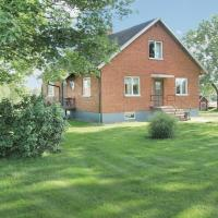 Three-Bedroom Holiday home Malmbäck with a Fireplace 05
