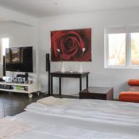 Two-Bedroom Apartment in Paradis