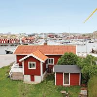 Two-Bedroom Holiday home Rönnäng with Sea View 06