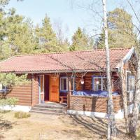 Three-Bedroom Holiday Home in Ingaro