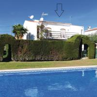 Three-Bedroom Holiday Home in Miami Platja </h2 </a <div class=sr-card__item sr-card__item--badges <div class= sr-card__badge sr-card__badge--class u-margin:0  data-ga-track=click data-ga-category=SR Card Click data-ga-action=Hotel rating data-ga-label=book_window:  day(s)  <i class= bk-icon-wrapper bk-icon-stars star_track  title=alojamiento de 3 estrellas  <svg aria-hidden=true class=bk-icon -sprite-ratings_stars_3 focusable=false height=10 width=32<use xlink:href=#icon-sprite-ratings_stars_3</use</svg                     <span class=invisible_spokenalojamiento de 3 estrellas</span </i </div   <div style=padding: 2px 0    </div </div <div class=sr-card__item   data-ga-track=click data-ga-category=SR Card Click data-ga-action=Hotel location data-ga-label=book_window:  day(s)  <svg alt=Ubicación del alojamiento class=bk-icon -iconset-geo_pin sr_svg__card_icon height=12 width=12<use xlink:href=#icon-iconset-geo_pin</use</svg <div class= sr-card__item__content   <strong class='sr-card__item--strong'Miami Platja</strong • a  <span 3,3 km </span  de Les Planes del Rei </div </div </div </div </div </li <div data-et-view=cJaQWPWNEQEDSVWe:1</div <li id=hotel_189251 data-is-in-favourites=0 data-hotel-id='189251' class=sr-card sr-card--arrow bui-card bui-u-bleed@small js-sr-card m_sr_info_icons card-halved card-halved--active   <div data-href=/hotel/es/adosados-el-pinar.es.html onclick=window.open(this.getAttribute('data-href')); target=_blank class=sr-card__row bui-card__content data-et-click=  <div class=sr-card__image js-sr_simple_card_hotel_image has-debolded-deal js-lazy-image sr-card__image--lazy data-src=https://q-cf.bstatic.com/xdata/images/hotel/square200/97964532.jpg?k=f7e6095d9813e2ec87b995521b7640d618beea0cd1a525463813e767ed3e2007&o=&s=1,https://q-cf.bstatic.com/xdata/images/hotel/max1024x768/97964532.jpg?k=5a7c65169292d09c7eb2b1943115fd63eeeb9a466218a72a11f64b51348e30ff&o=&s=1  <div class=sr-card__image-inner css-loading-hidden </div <noscript <div class=sr-car