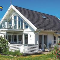 Three-Bedroom Holiday Home in Klovedal