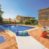 Six-Bedroom Holiday Home in Cernedo