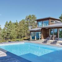 Four-Bedroom Holiday Home in Valevag